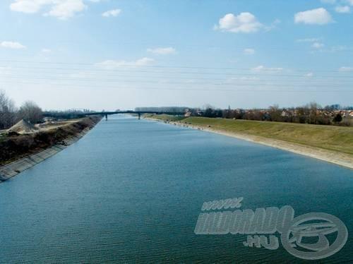 A kátyi és a temerini híd közötti Duna-Tisza-Duna-csatorna, a közelgő VB színhelye