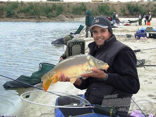 A Fekete-tó mindig sok halat rejt