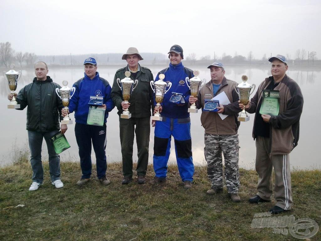 A Két-Tök 2011 versenysorozatának díjazottjai