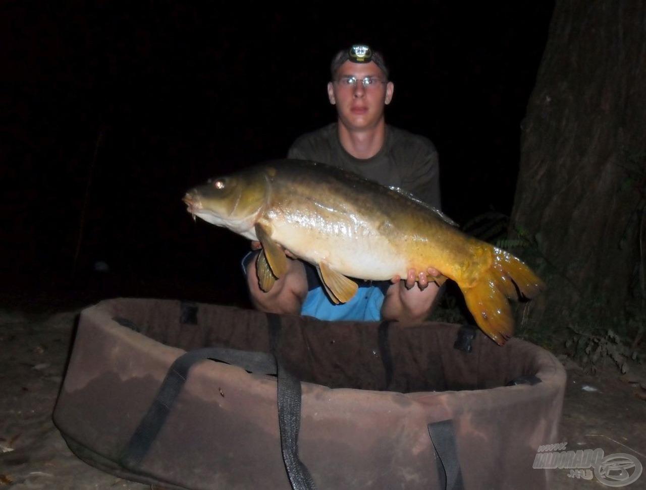 Első darabosabb hal az éjszaka folyamán: 9,20 kg