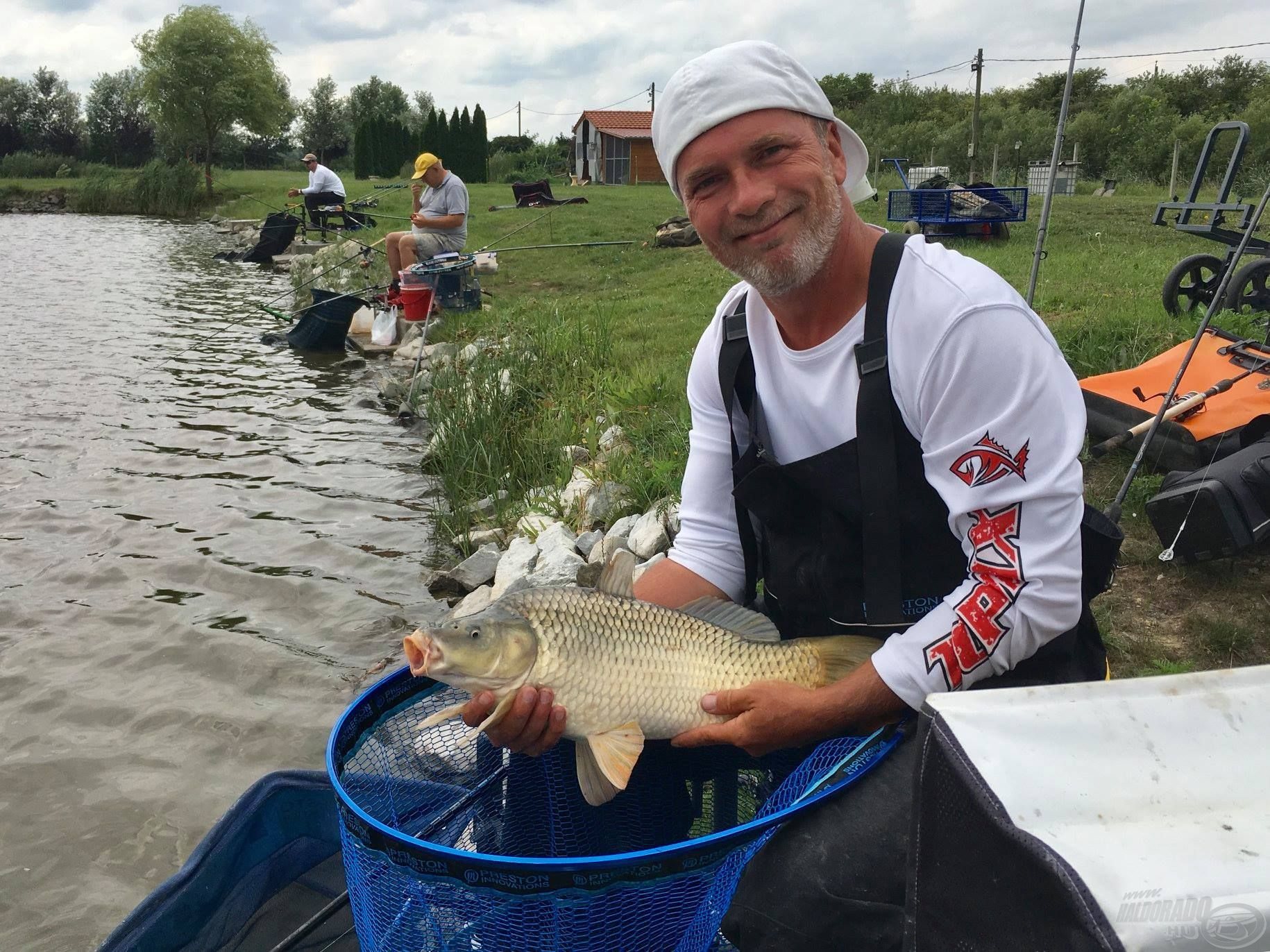 A verseny rangját a halak mellett profi versenyzők is emelték