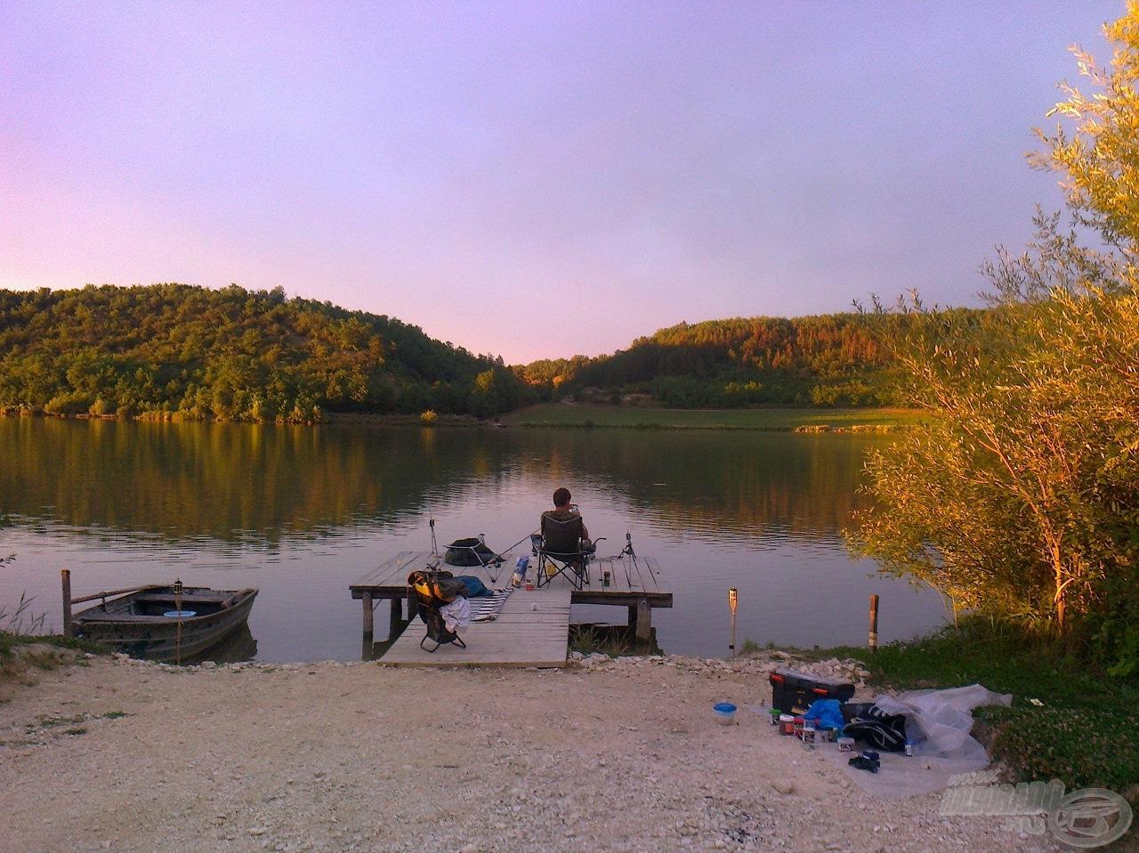 Horgászhelyünk innen…