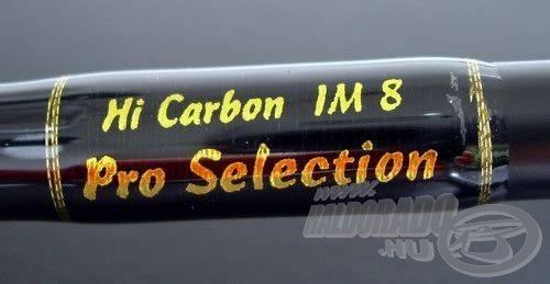 """A Hi Carbon felirat elvileg arra utal, hogy high (magas) modulusú anyagról van szó, miközben az IM jelentése """"hivatalból"""" intermediate (közepes) modulus. Fura egy felirat, de a bot ettől még lehet kitűnő"""