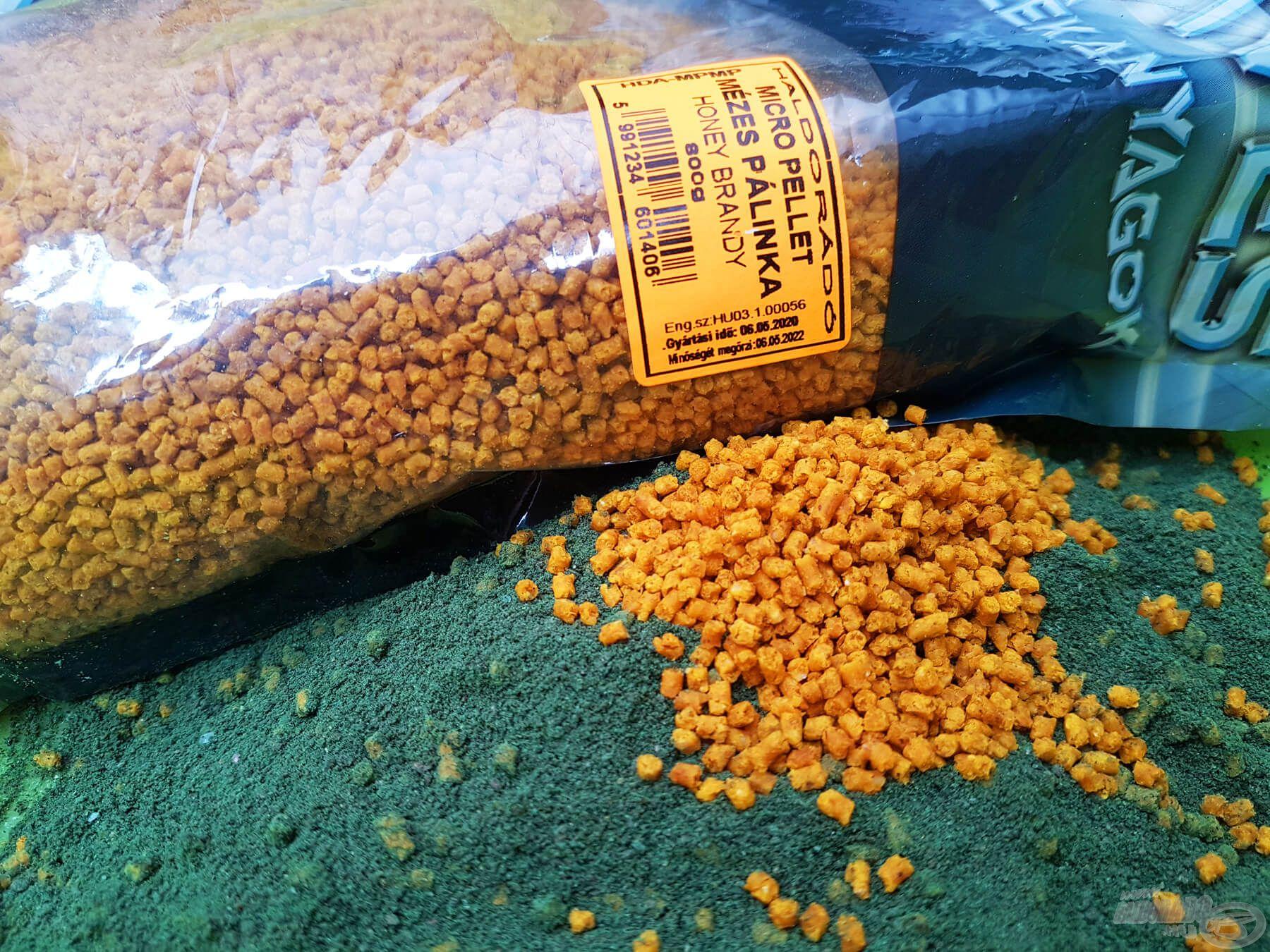 Késő őszi időszakokban a Maximum Green finomszemcsés, halas kaja édes mikropellet hozzáadásával (szárazon hagyva) igazán fogós párost alkot
