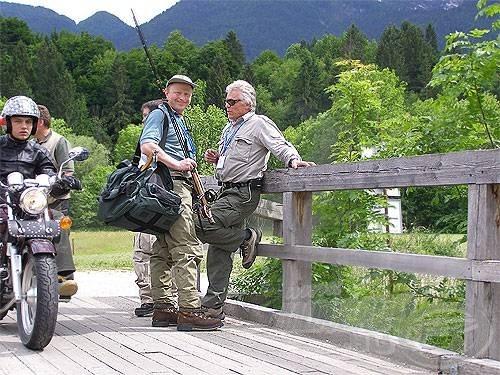 A házigazdák vezetője (jobbra) az utolsó pillanatokban is hasznos információkkal szolgált