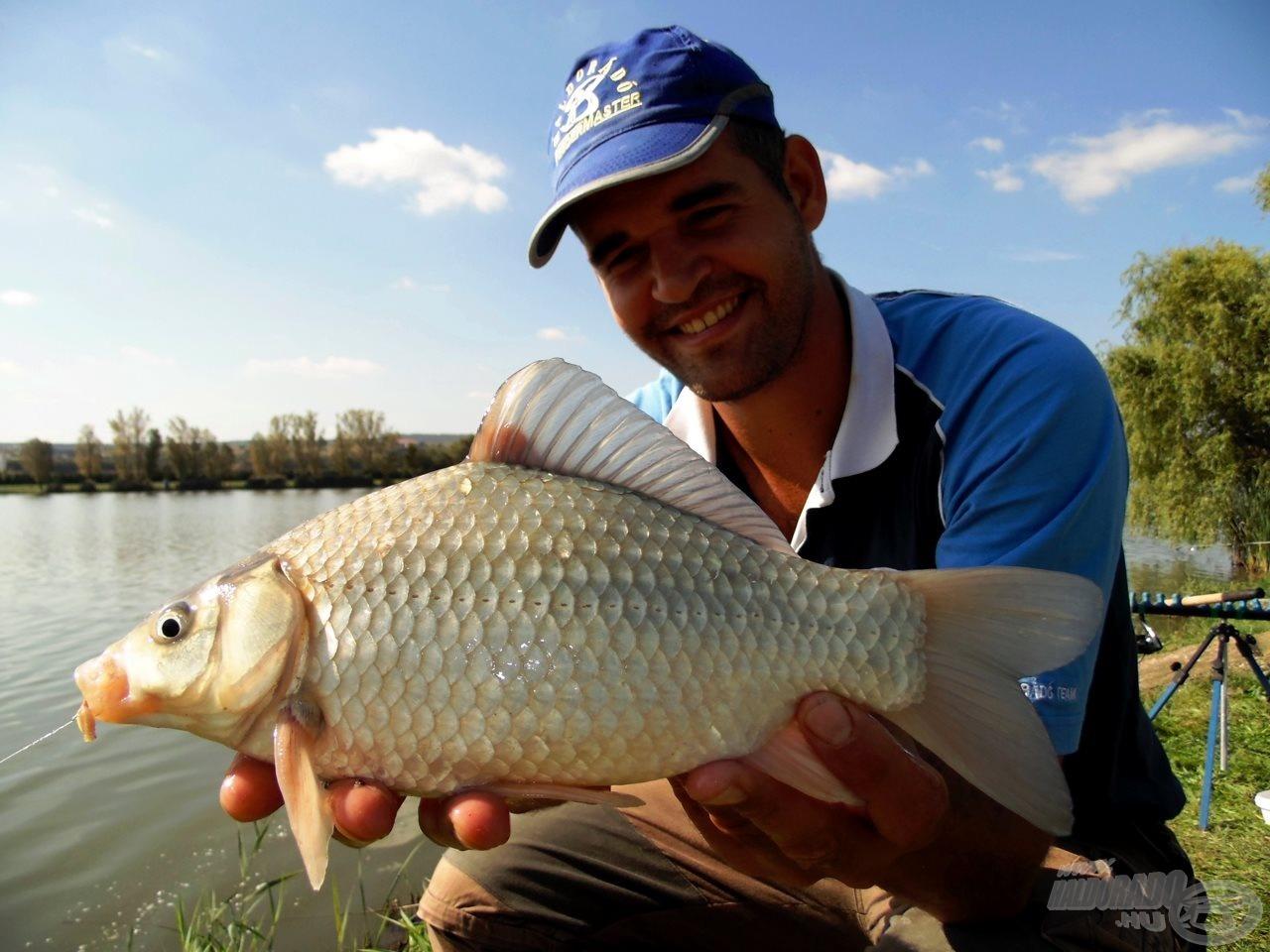 Ilyen szép ezüstkárászokra is lehet céltudatosan horgászni!