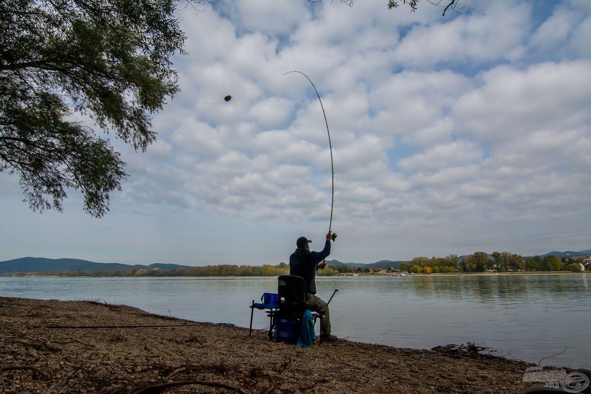A 0,22 mm-es zsinór és a 0,19 mm-es fonott dobóelőke bőven elegendő ahhoz is, hogy a távolabbi horgászhelyeket meg tudjuk dobni