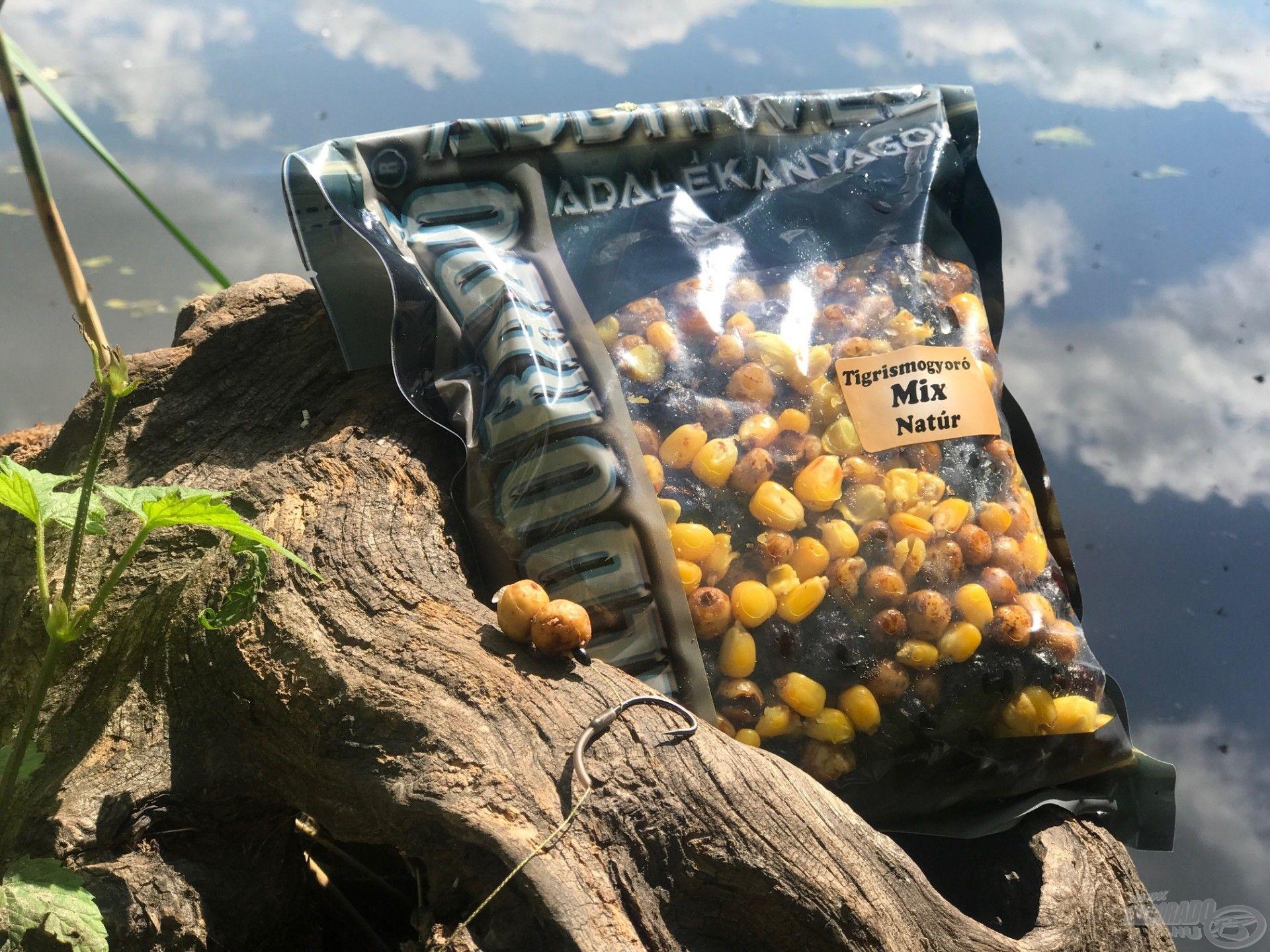 A Főtt Tigrismogyoró Mixünk tökéletes amuros alapozó etetés kialakítására és csalizni is érdemes belőle