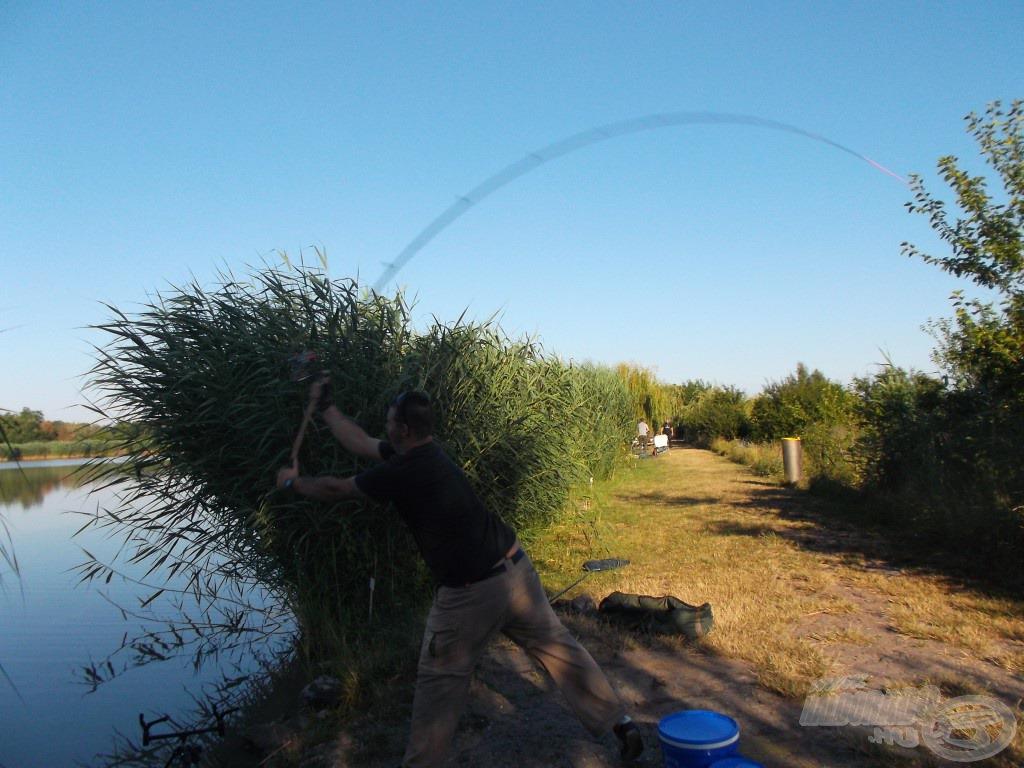 """Ami a """"csövön"""" kifér, hadd szóljon! Az itteni sikeres horgászatok alapja a távdobás"""