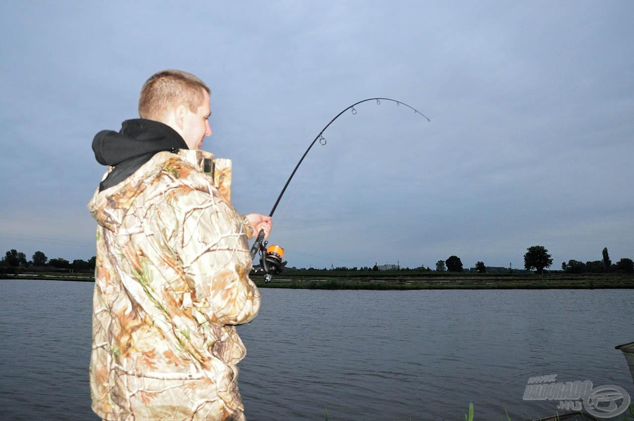 Közeledett az esti időszak, de a halak aktivitása nem lanyhult
