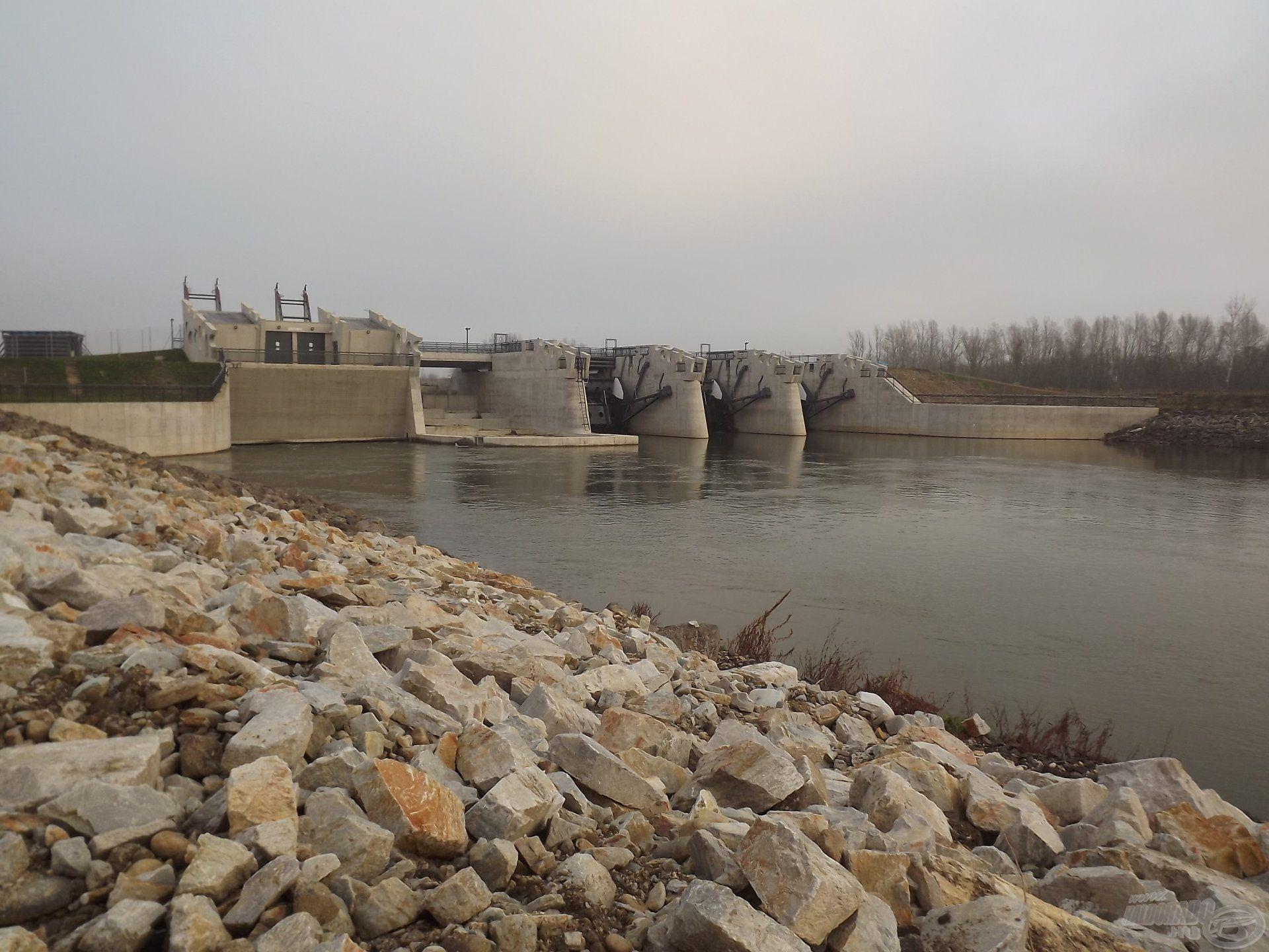 Attila ezúttal a szlovák Garam folyón horgászott