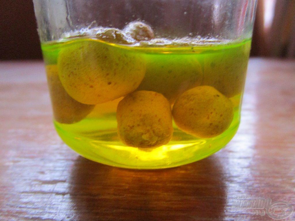 Az Édes Ananász aroma a kedvencem, a népszerű Oldódó Fluo Lebegő Ananász Pellet még fogósabb lesz tőle!