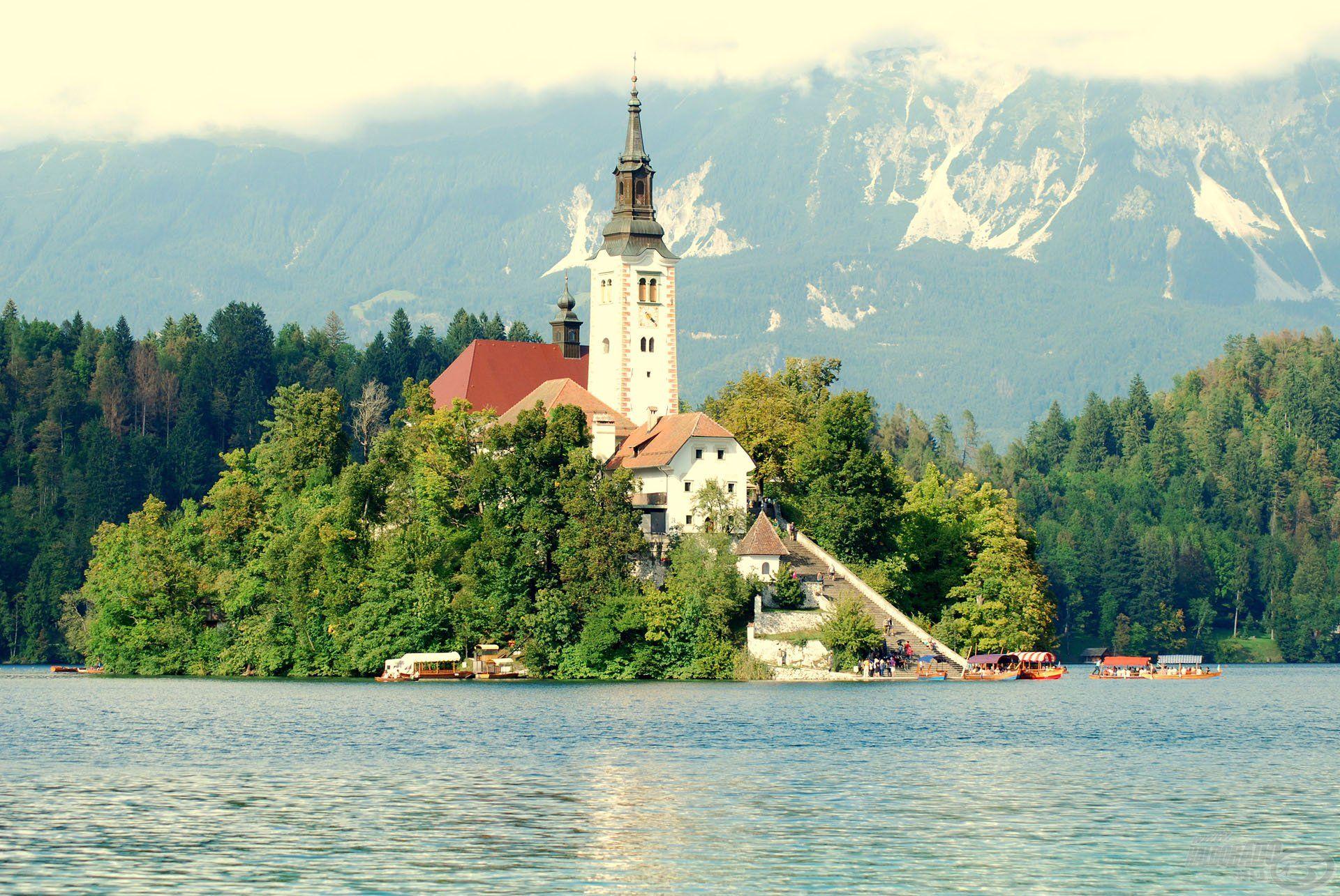 A híres Szűz Mária-templom a szigeten