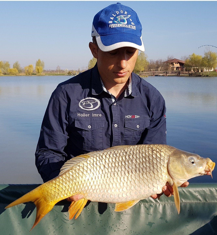 Horgászatunk első hala, mely még biztatónak ígérkezett a nap további részére nézve