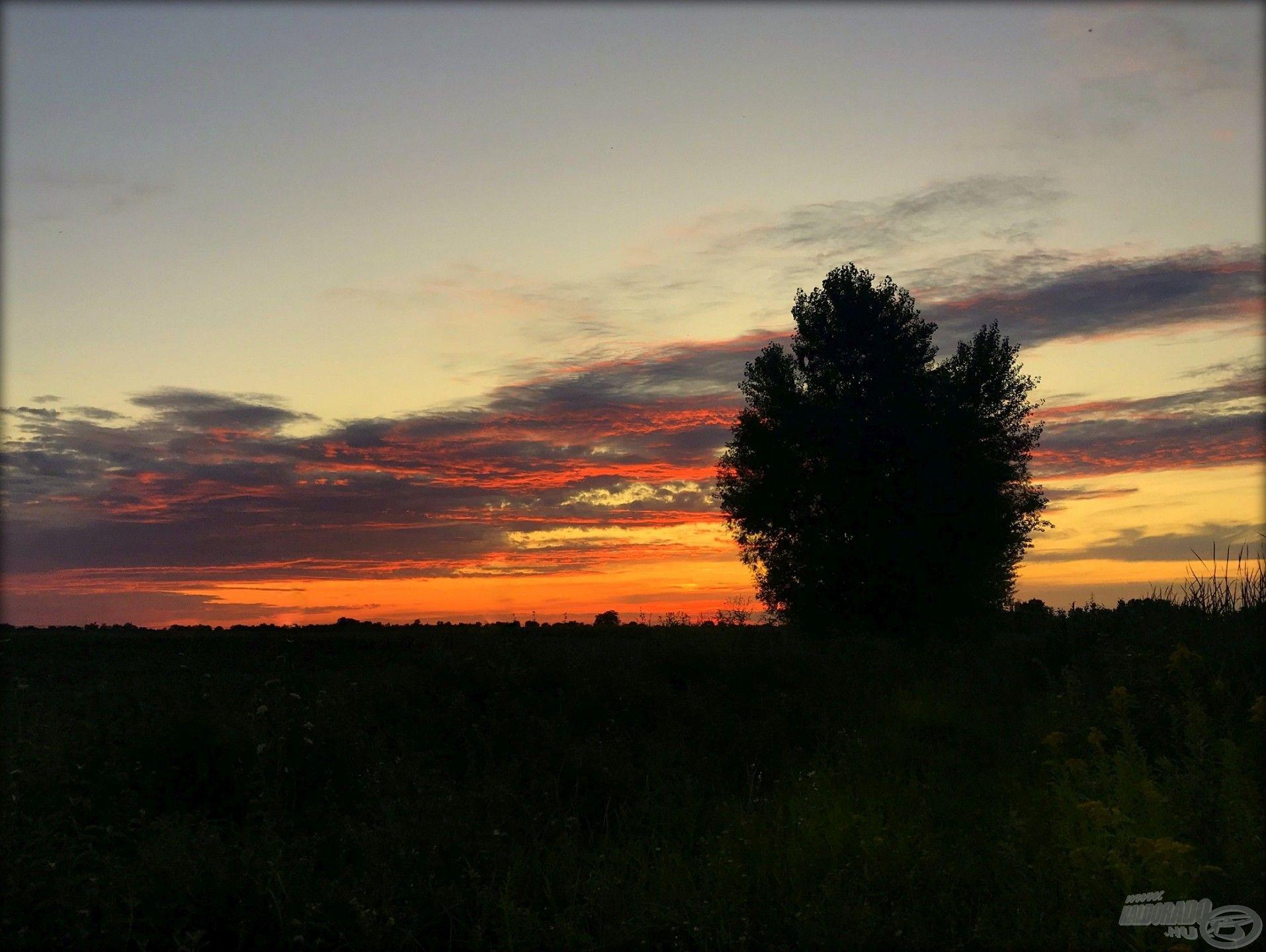 A napnyugta ismét a Zsitván ér