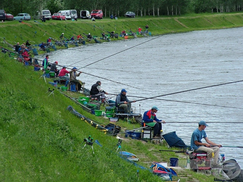 bank fishing competition - parti horgászverseny