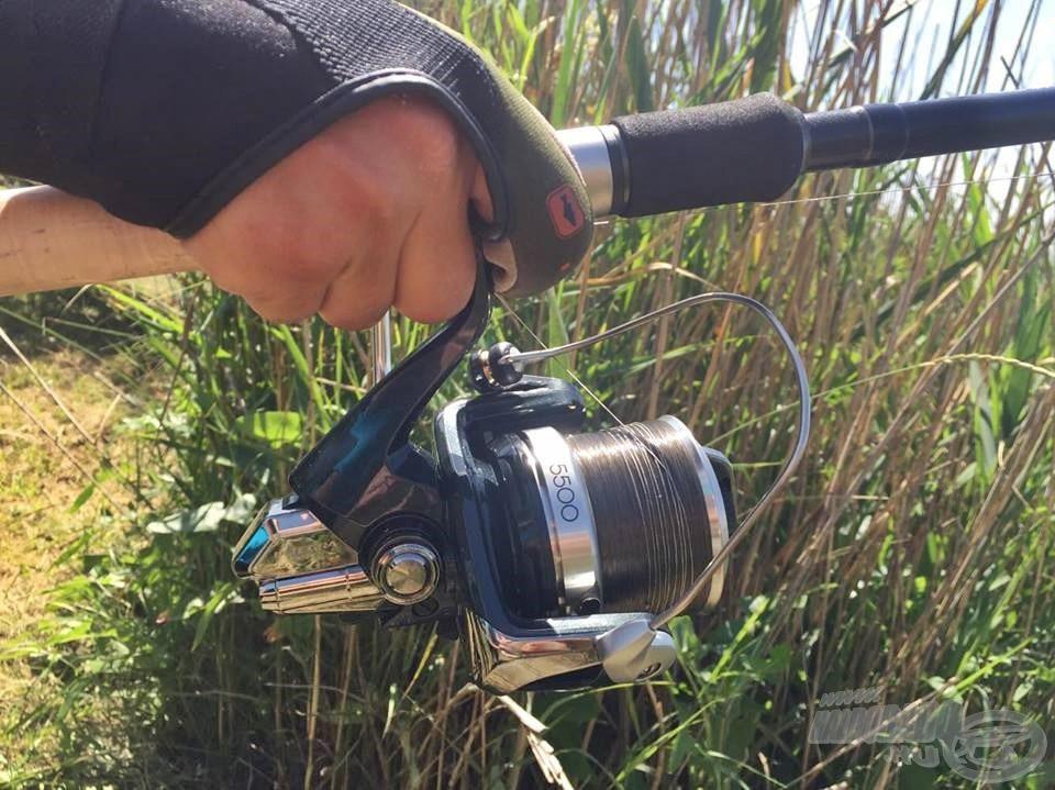 A Braxx Long Cast remek választás, ha igazán számít a távolság (jelen esetben a keresőhorgászathoz), valamint ellenáll a víz alatti nádtorzsáknak is