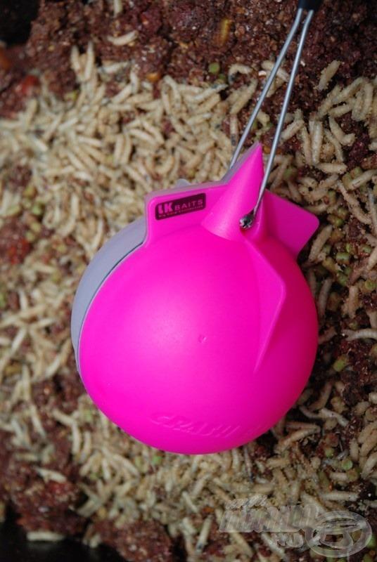 A Crash Ball segítségével akár élő anyag is bejuttatható az etetésre