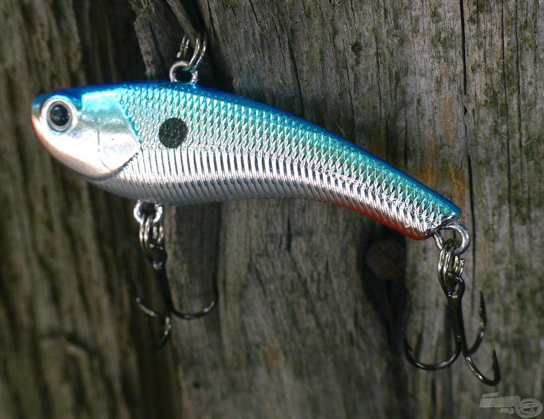 A CHB színjelzésű Chrome Blue egy igazi joker csali, ami a tiszta vizű bányatavak horgászatához is ideális