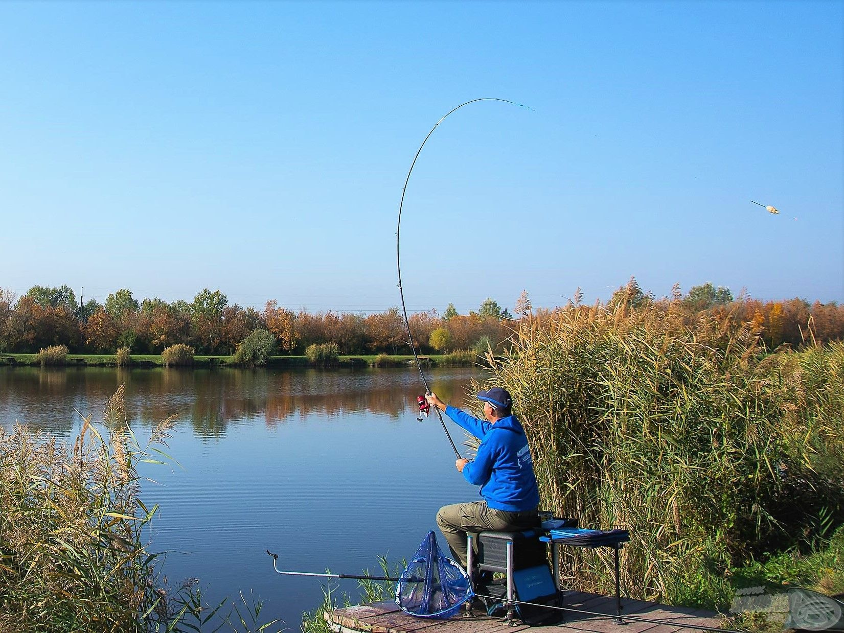 A horgászatot minden esetben Pellet Feeder kosárral kezdtük annak érdekében, hogy bőven kerüljön be etetőanyag és mag a horgászhelyre