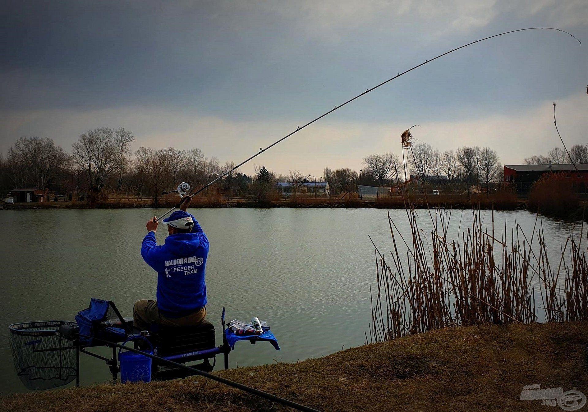 Horgászládánk stabil és biztonságos elhelyezésére mindig szánjunk elegendő időt, csak ezután kezdjük meg a horgászatot!