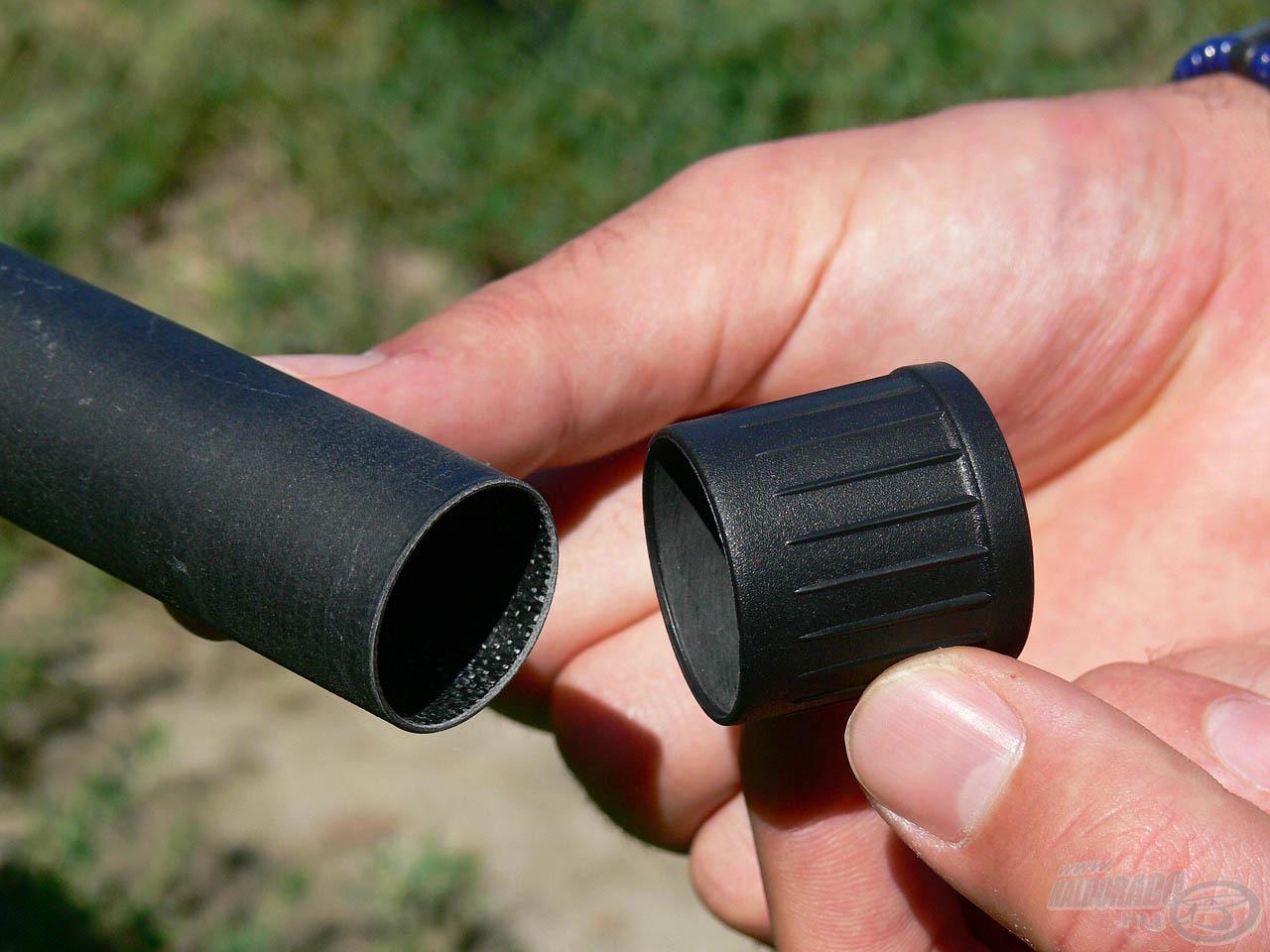 A Master Carp rakós merítőnyélhez 2 db gumi gyorskupak tartozik, melyek pillanatok alatt levehetők és felhelyezhetők, így meggyorsítják a nyél összerakását, szétszedését