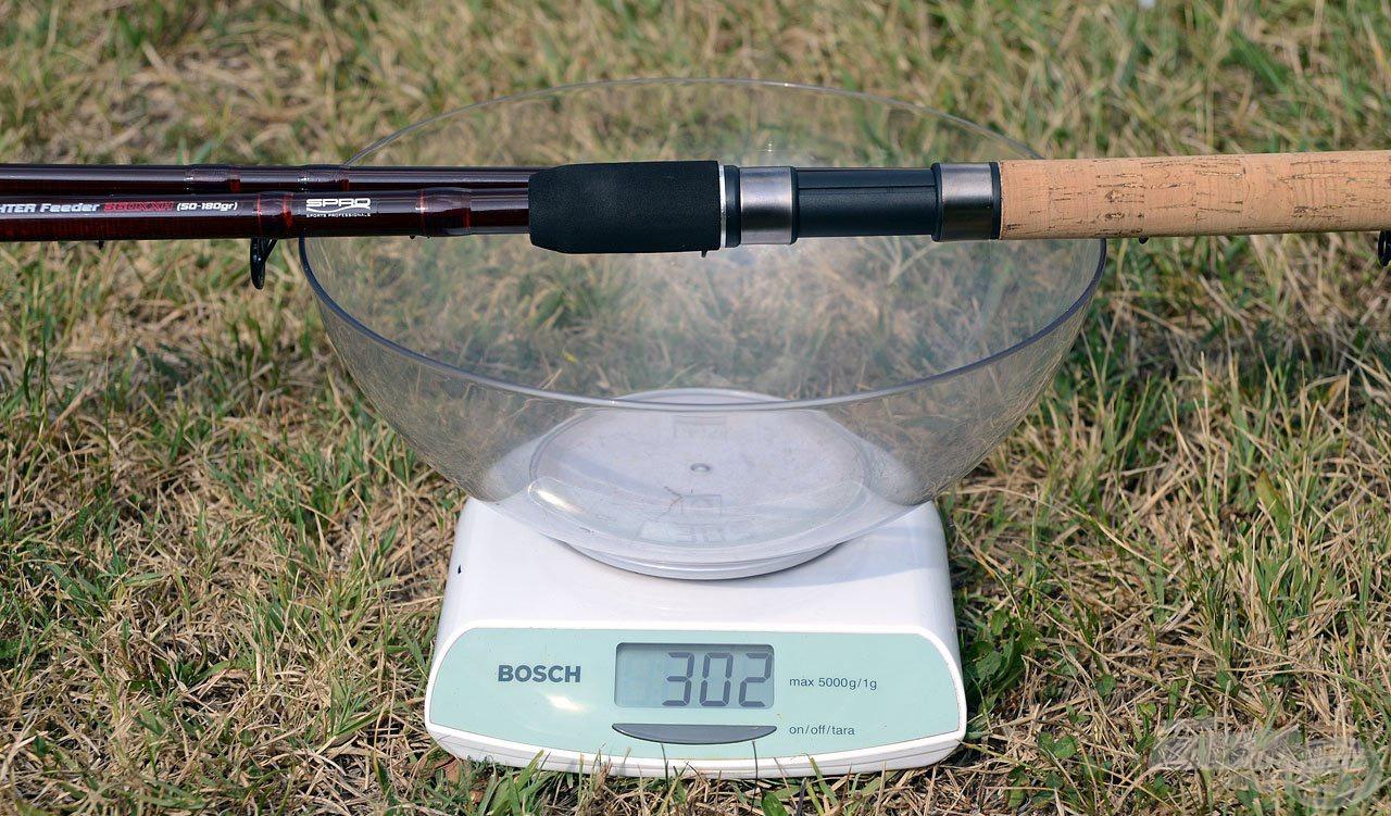 Az alapként felhasznált magasabb minőségű anyag nemcsak a szemnek tetszetős, karcsúbb bottestet tesz lehetővé, hanem csökkentette a botok súlyát is. A régi változat még 302 gramm súlyú volt…
