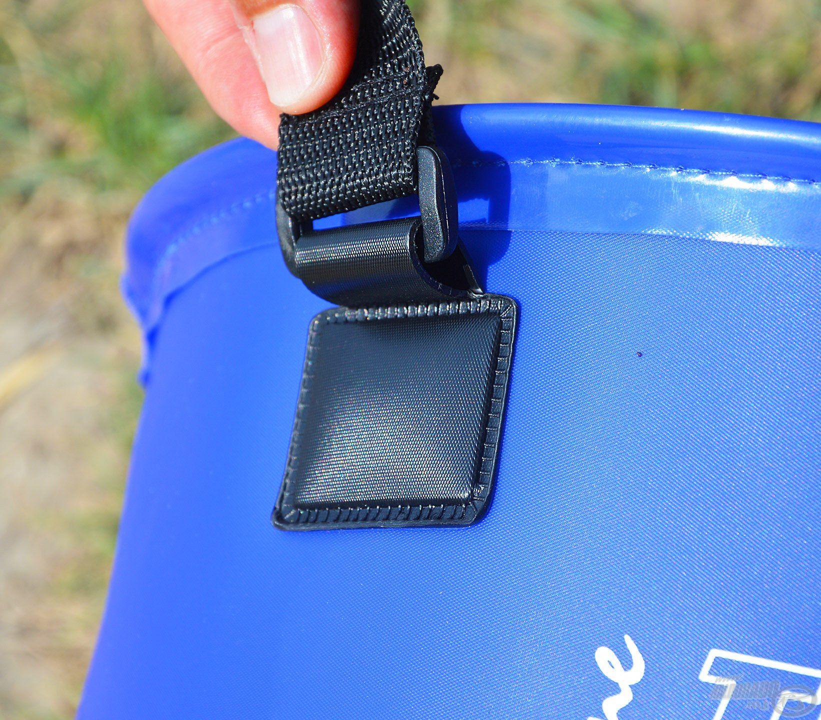 …melyek egy-egy precíz, műanyag illesztéssel, illetve kapoccsal csatlakoznak a keverőedényekhez