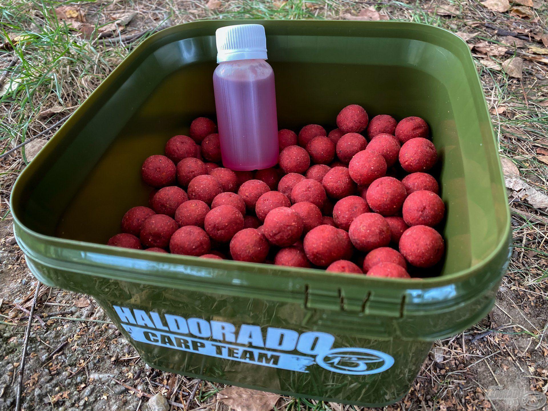 Praktikus új kiszerelés, egy ízben azonos 100 ml-es flakon aromával és egy szögletes Carp Team vödörrel