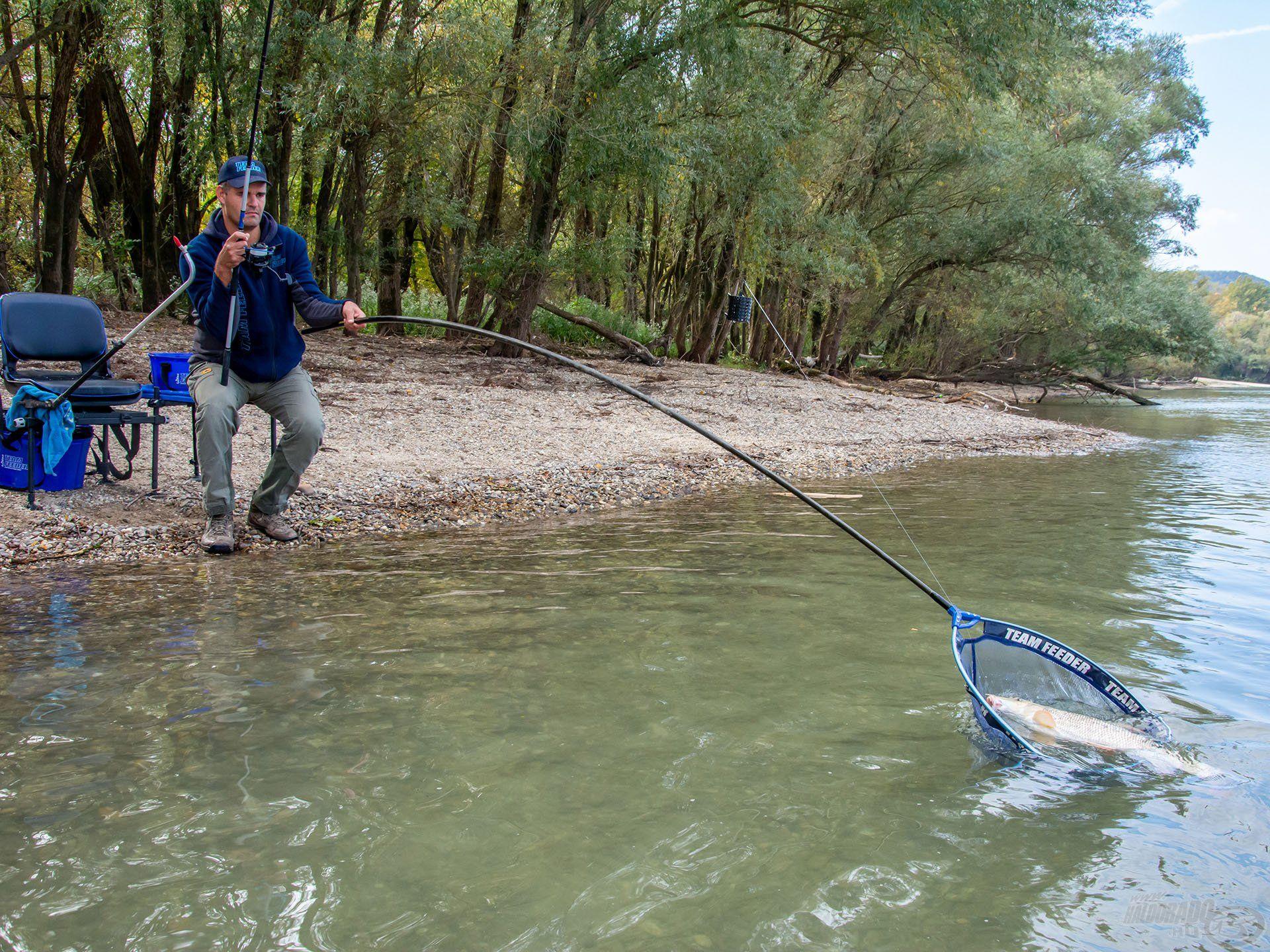Állóvízen horgászóknak furcsa lehet az ott megszokottnál hosszabb előke