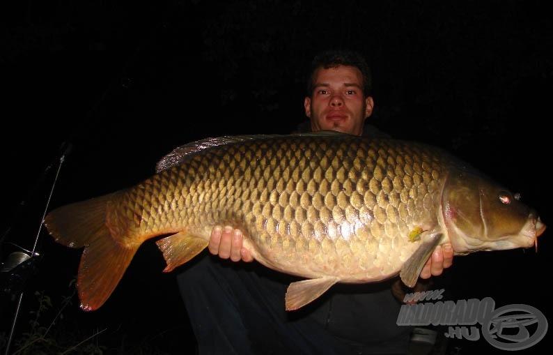 Éjszaka is szép fotókat készíthetünk, főleg egy ilyen szép halról