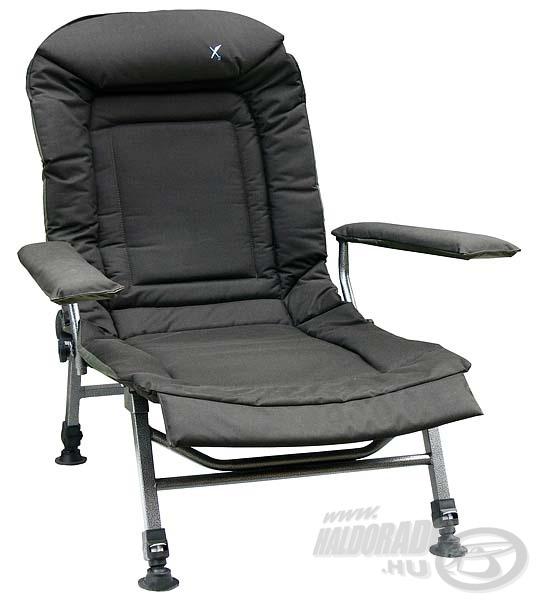 Ez a nagy X2 fotel egy magasabb kategóriát képvisel, masszív anyagokból készült, emellett a háttámla dőlésszöge is állítható. Kifejezetten termetes (100 kiló feletti)  horgászoknak ajánlom!