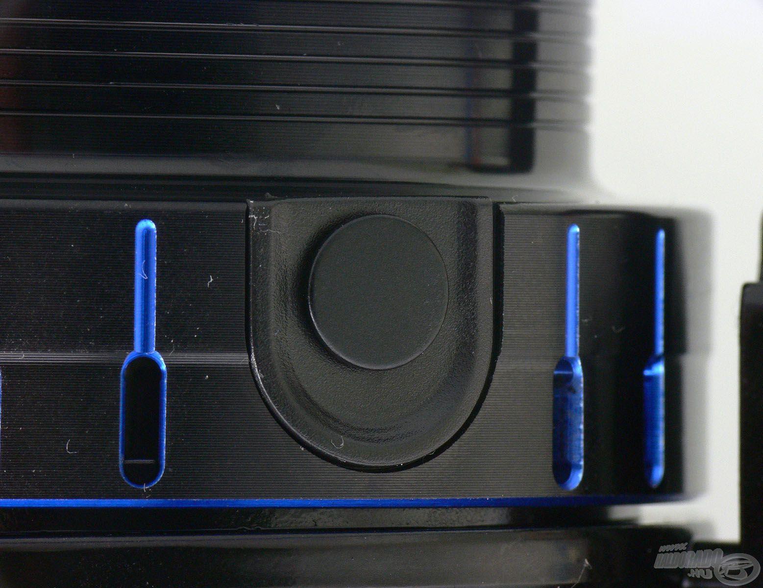 Akárcsak a korábbi TEAM FEEDER orsók esetében, a Fine Carpnál is 2 db lekerekített, rugós acél klipsz található a dobon