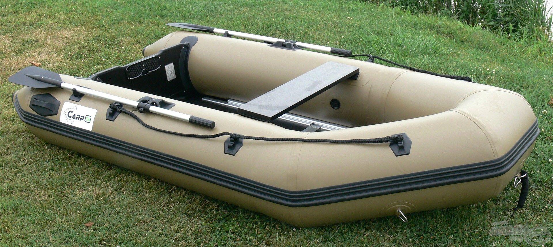 A PVC csónak kompakt kivitele és kisebb súlya bármely horgásznak kitűnő alternatívát kínál, felhasználási területtől függetlenül