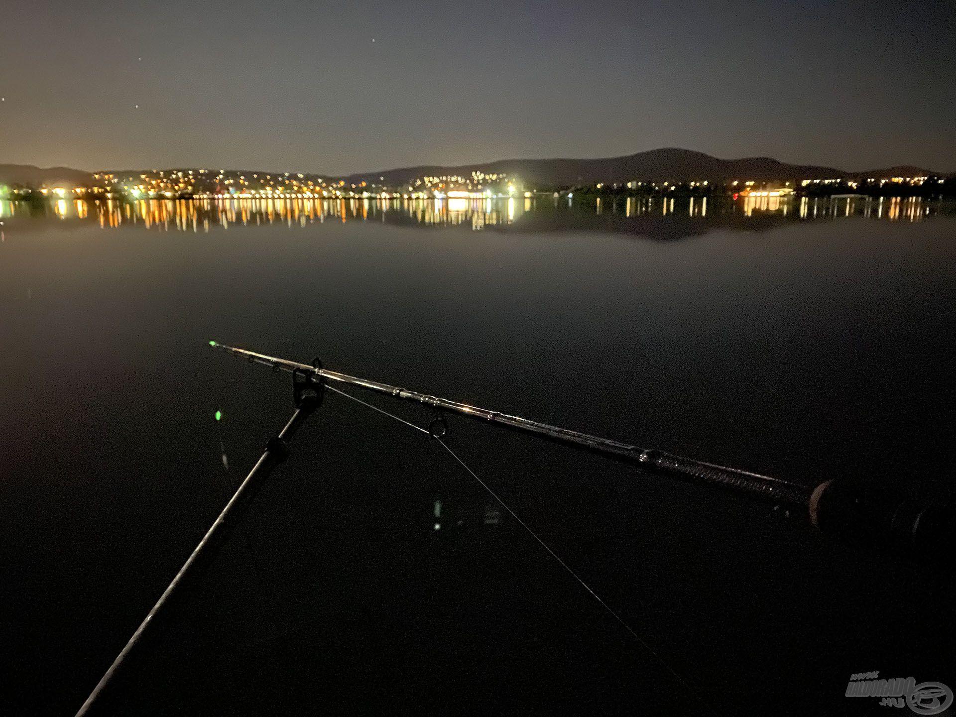 Éjszaka is horgásztam, de egyetlen kapás nélkül megúsztam…