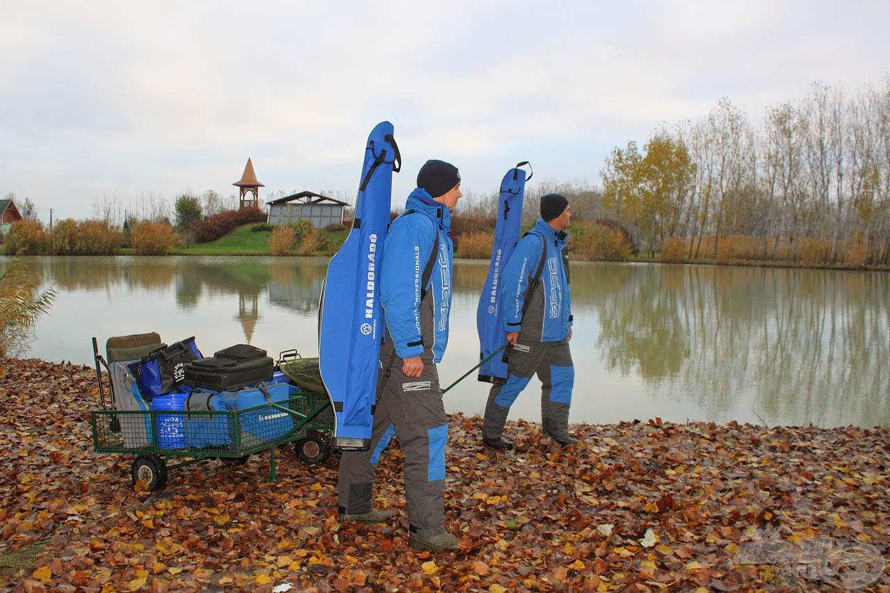 Sipos Gáborral közösen próbáltunk horogra csalni néhányat a tó szép pontyai közül