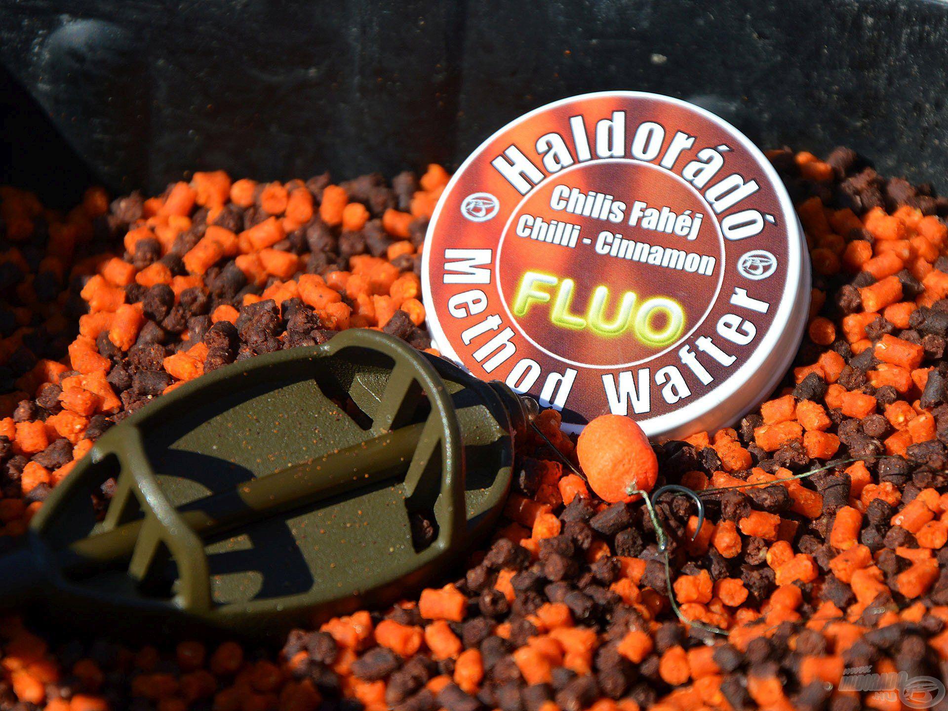 A Fluo Method Wafter - Chilis Fahéj színével és ízével is jól harmonizál a csoki-narancs miropellettel, illetve a Brauni etetőanyaggal!