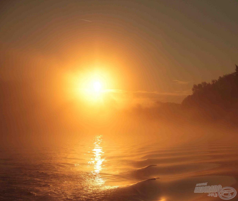 Csodálatos fényekkel ébredt a szeptemberi nap