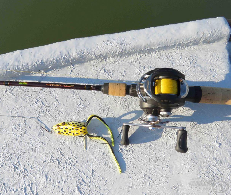 A felszíni békaimitációk nagyon jók a töklevelek közötti horgászatra