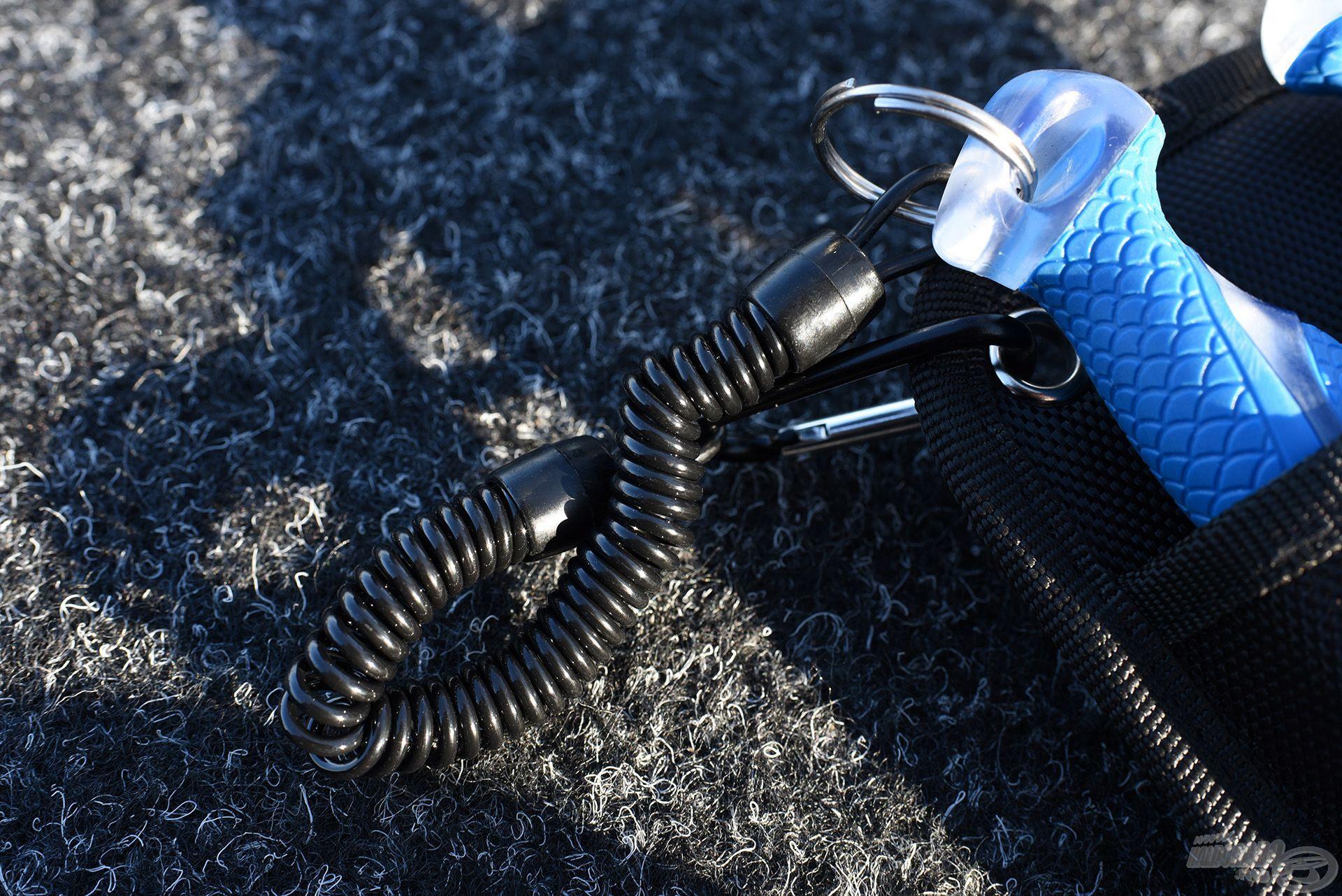 Ez a spirál messzire elér, és ad némi biztonságot a víz feletti használatnál