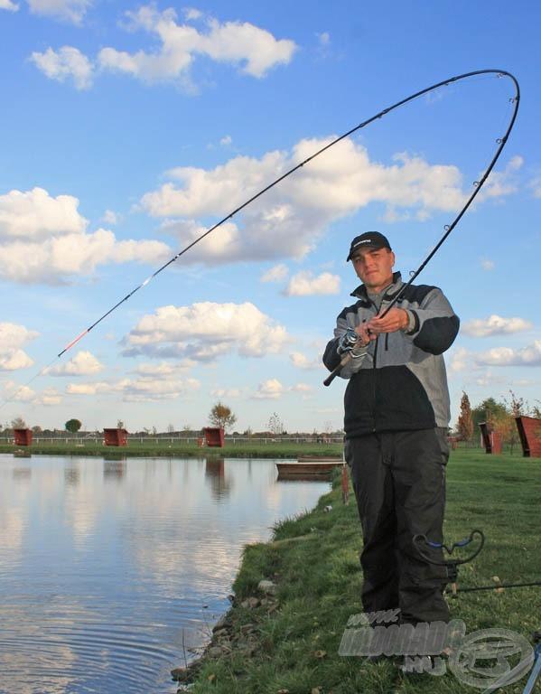 A látványos, a horgászfelszereléshez kapcsolódó szép képanyag már fél siker a pályázat során