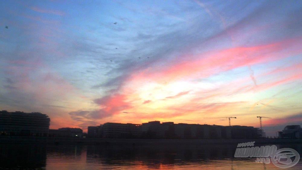 A napfelkelte még Pest felett is gyönyörű