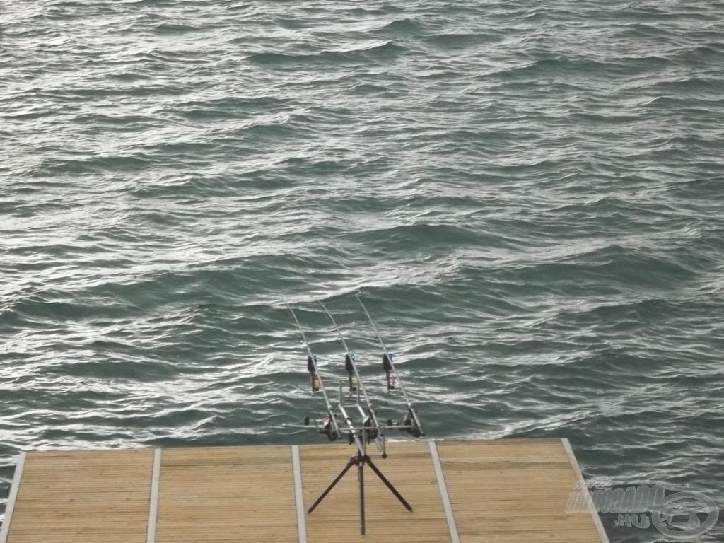 Komoly hullámokat korbácsolt a szél