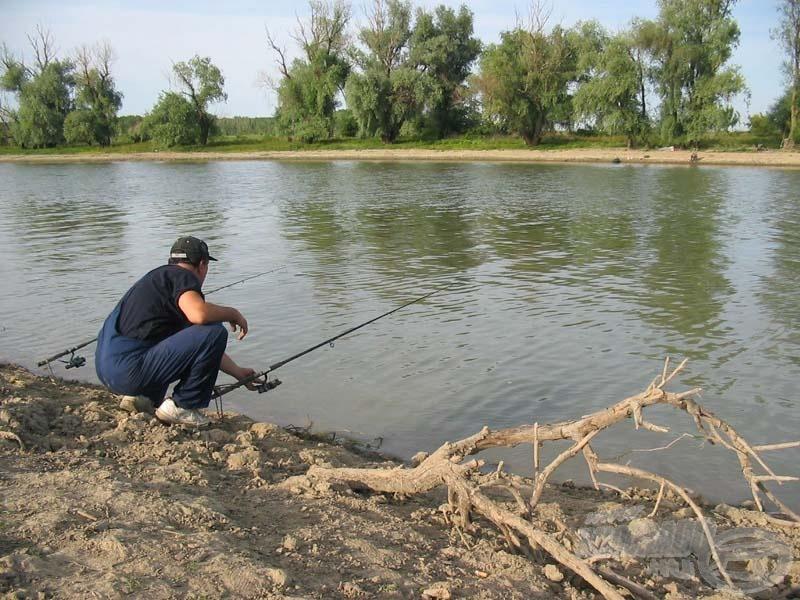 Nem kell a horgászathoz sok minden, csak egy víztükör, például a halban gazdag Temes folyó…