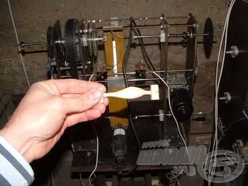 Ez az a gép, és itt az első sablonhal
