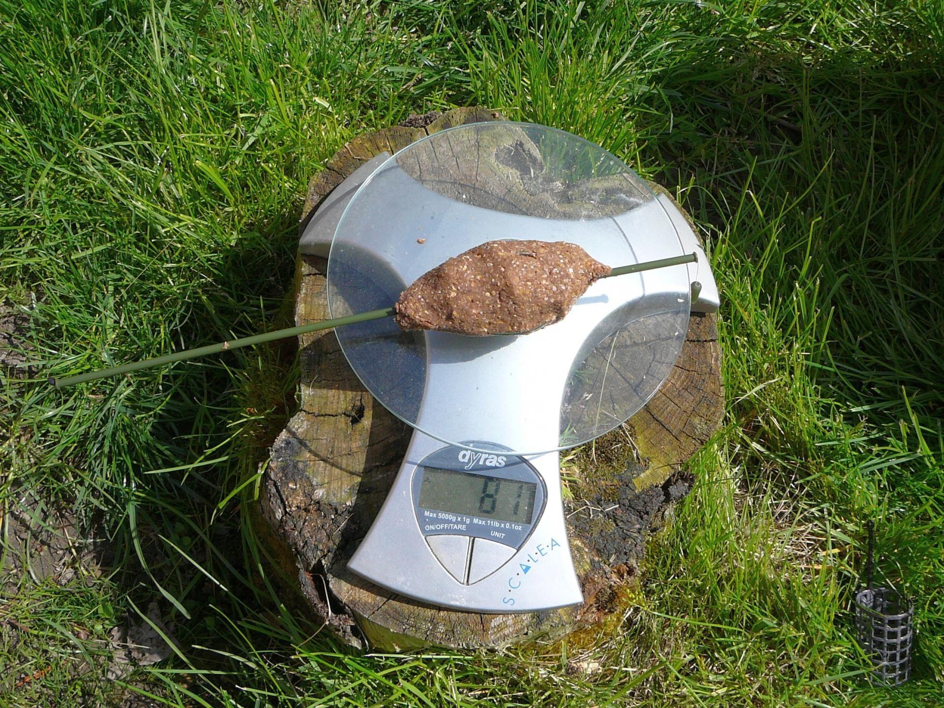 Haldorádó Pellet Feeder 25 grammos változata etetőanyaggal töltve 81 gramm