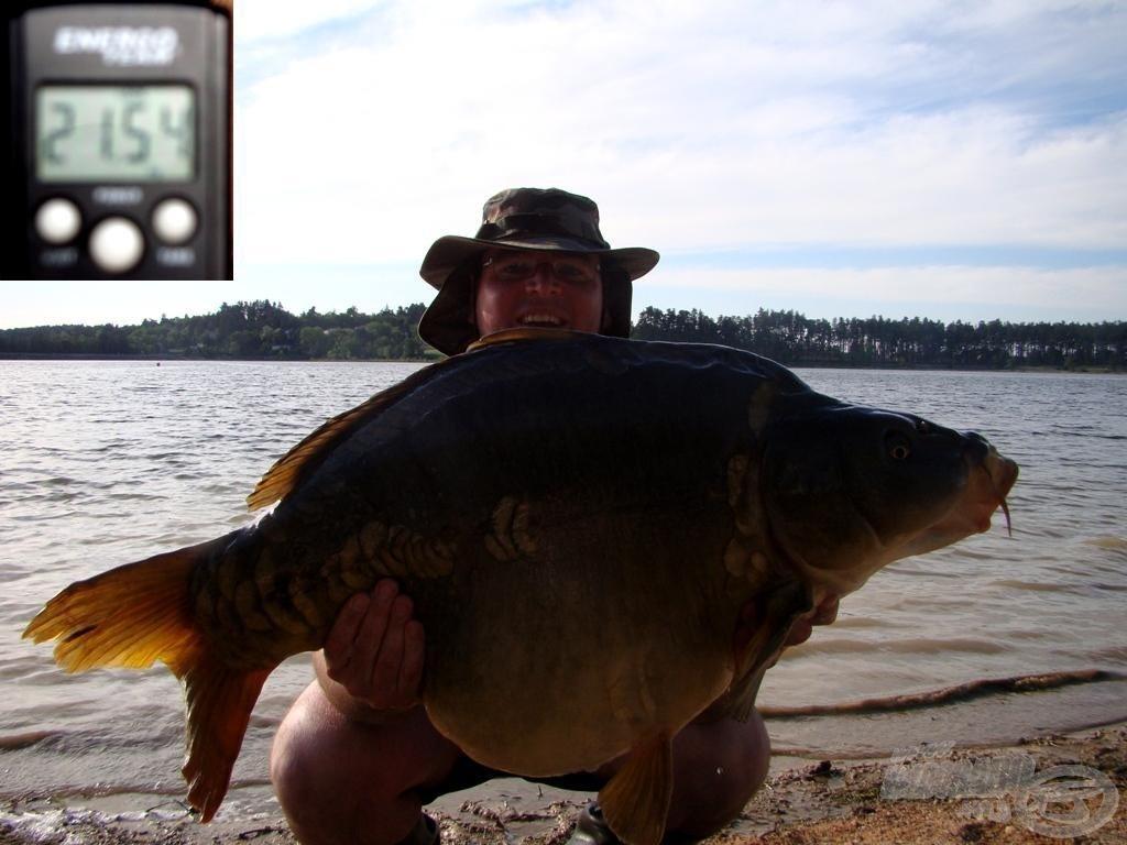 A nap legnagyobb hala - 21,54 kg! Szinte nem is látszom az óriás takarásában
