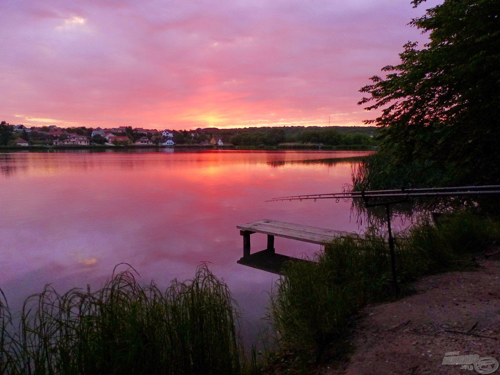 Az utolsó reggel a tavon, gyönyörű napfelkelte volt