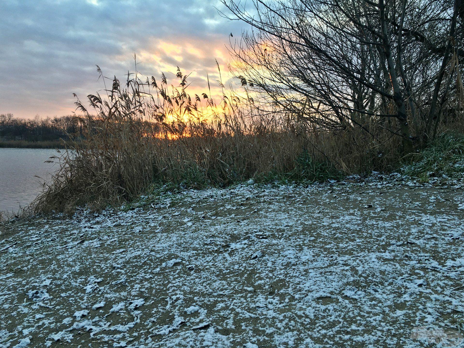 Hideg, zord, olykor havas időjárás fogadott a vízparton, amely cseppet sem szegte kedvem. Sőt, mindenáron meg akartam győzni még magamat is, hogy ilyenkor is jó eséllyel pályázhatunk akár a nagytestű pontyokra is