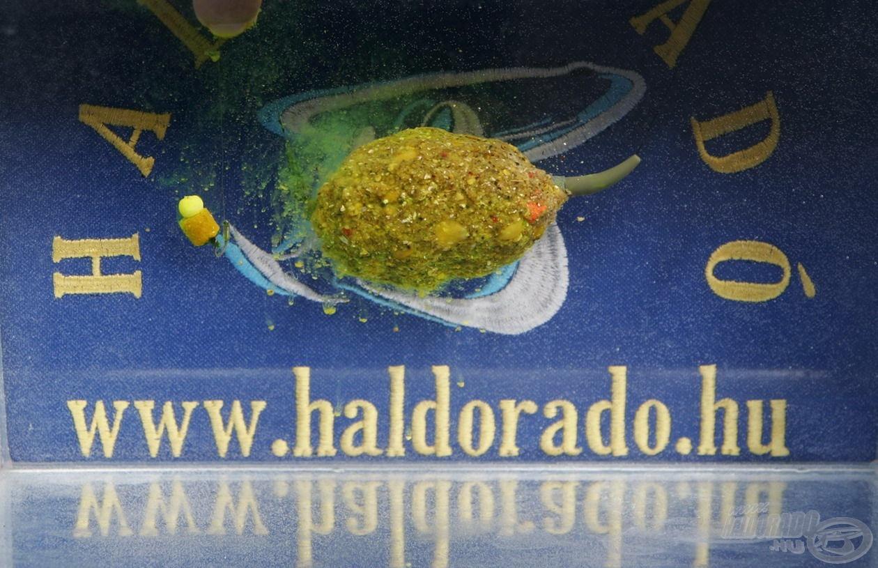 Az akváriumban végzett próba során jól megfigyelhető volt, ahogy vízbe érkezést követően azonnal működésbe lépett a Fluo Flavor